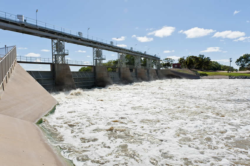Main Weir Menindee, Better Times